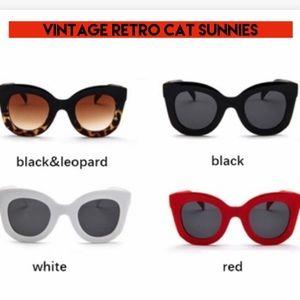 Vintage retro cat sunglasses NWOT